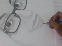 Artista desenhando