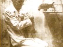 Zé da Luz em 1959, com o cãozinho Dick e o papagaio Loreco