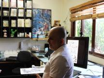 Mike Deodato em seu estúdio 12