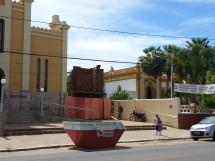 Catedral de Cajazeiras vista ao lado do palacio episcopal