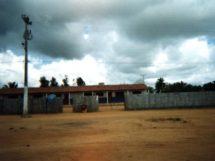 Assentamento Dona Antônia_frente da escola