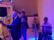 Dimas Xavier em apresentação