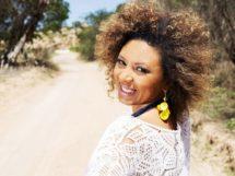 Sandra Belê canta a aridez existencial em _Escombros_ uma das 13 músicas do álbum Cantos de cá — Asley Ravel- Divulgação